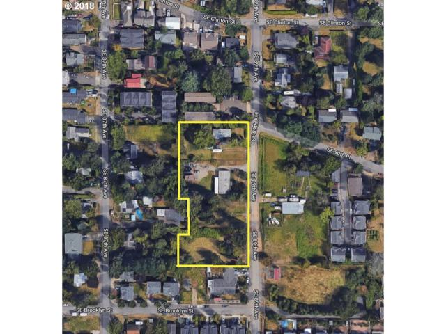 2805 SE 89TH Ave, Portland, OR 97266 (MLS #18678795) :: Song Real Estate