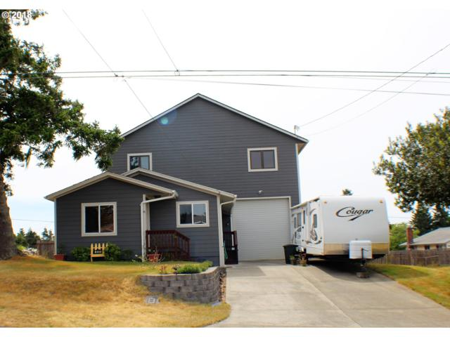 830 Fenwick, Coos Bay, OR 97420 (MLS #18685388) :: Fox Real Estate Group