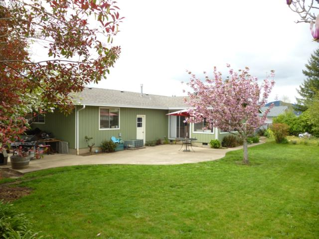 877 NE First Ave, Sutherlin, OR 97479 (MLS #18692867) :: Keller Williams Realty Umpqua Valley