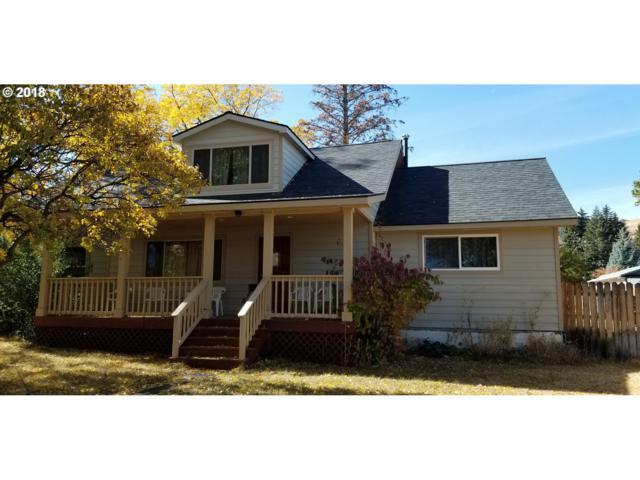 402 3RD St, La Grande, OR 97850 (MLS #18694825) :: Fox Real Estate Group