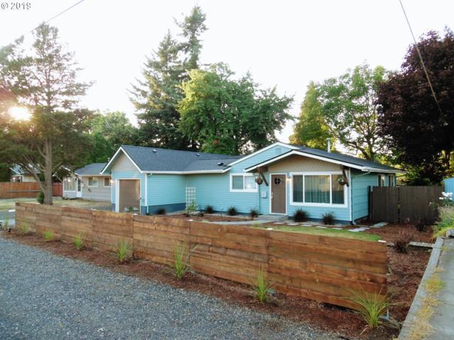 11923 NE San Rafael St, Portland, OR 97220 (MLS #19003175) :: R&R Properties of Eugene LLC