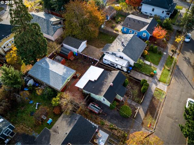 3134 NE 76TH Ave, Portland, OR 97213 (MLS #19008200) :: Townsend Jarvis Group Real Estate