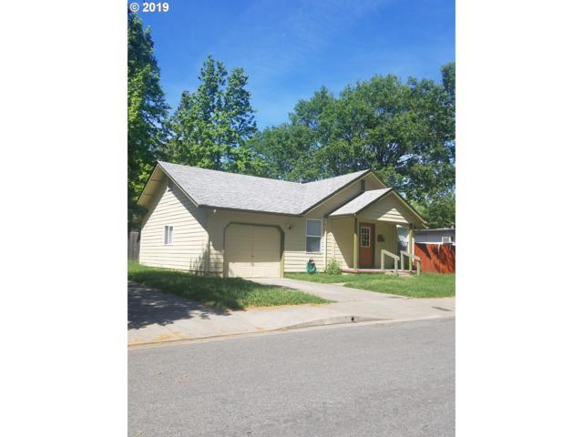 728 SW I St, Grants Pass, OR 97526 (MLS #19008376) :: R&R Properties of Eugene LLC