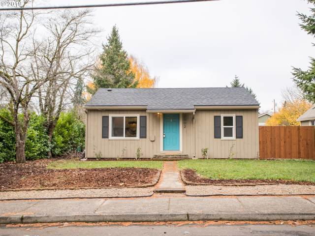 2002 E 32ND St, Vancouver, WA 98663 (MLS #19017379) :: Fox Real Estate Group