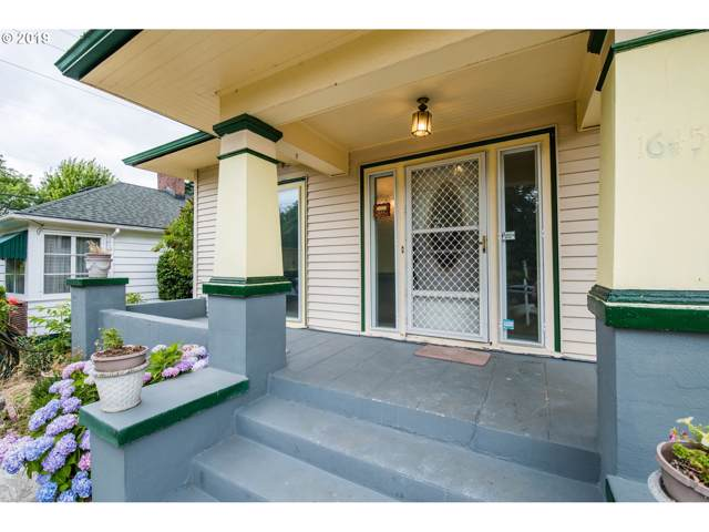 1645 N Willamette Blvd, Portland, OR 97217 (MLS #19022399) :: McKillion Real Estate Group