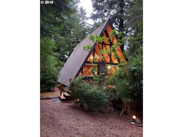 545 NE Big Cedar St, Yachats, OR 97498 (MLS #19026934) :: Homehelper Consultants