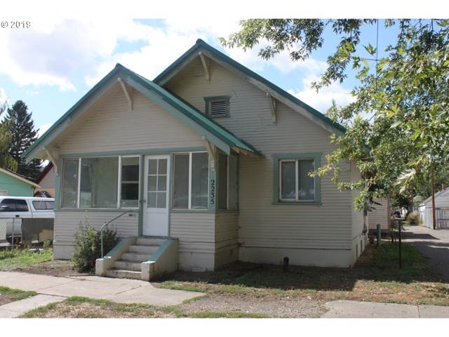 2235 4TH St, Baker City, OR 97814 (MLS #19027190) :: Song Real Estate