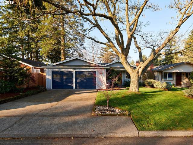 8833 SW 53RD Ave, Portland, OR 97219 (MLS #19029860) :: The Liu Group