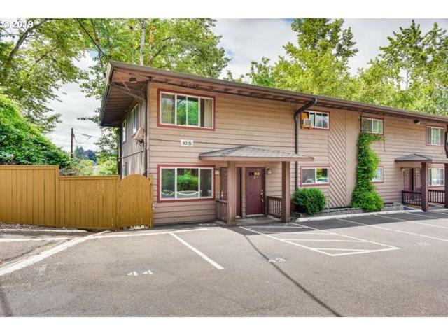 1015 SW Bertha Blvd #1, Portland, OR 97219 (MLS #19033234) :: Change Realty
