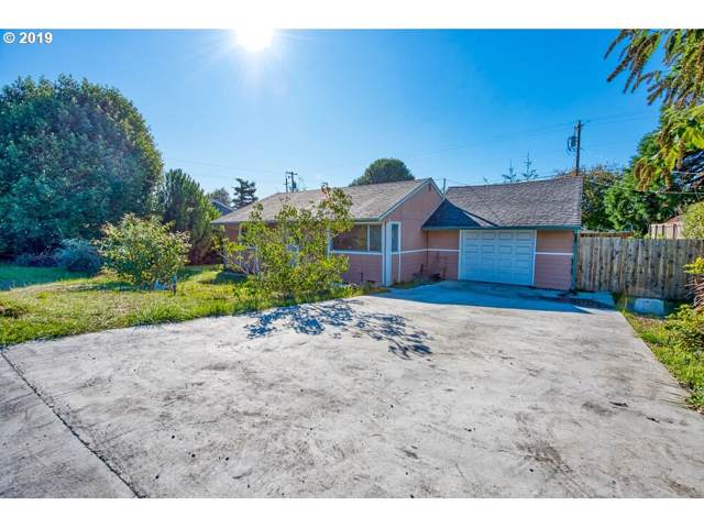 961 Salmon, Coos Bay, OR 97420 (MLS #19034481) :: Cano Real Estate