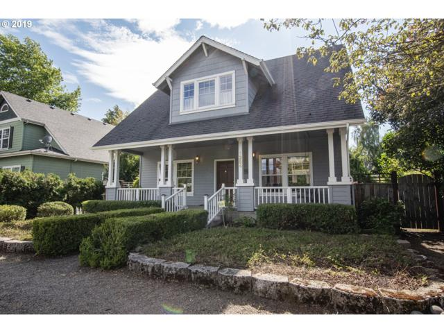 1354 N Park Ave, Eugene, OR 97404 (MLS #19036224) :: The Galand Haas Real Estate Team