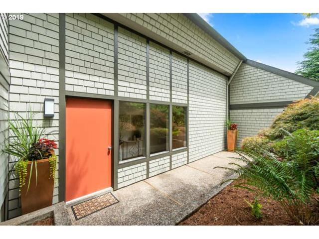 1803 SW Comus St, Portland, OR 97219 (MLS #19036868) :: Gustavo Group