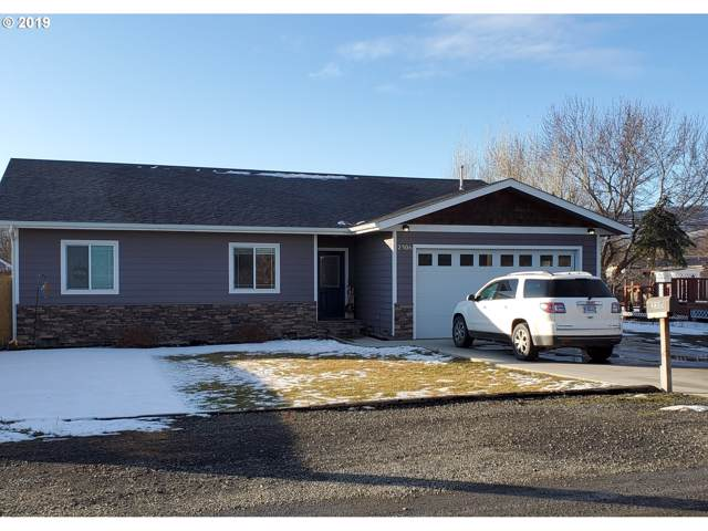2306 Willow St, La Grande, OR 97850 (MLS #19037956) :: Change Realty