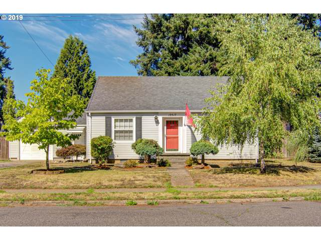 12517 SE Lincoln St, Portland, OR 97233 (MLS #19044016) :: McKillion Real Estate Group
