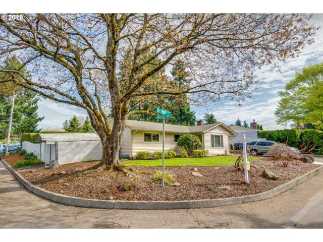 4105 SE Wake Ct, Milwaukie, OR 97222 (MLS #19044583) :: The Sadle Home Selling Team