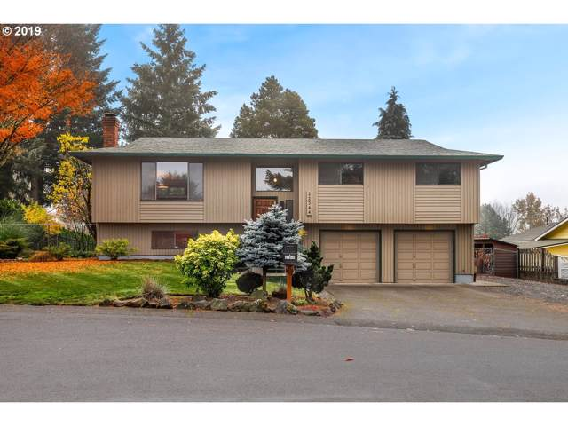 22344 SE Sharon Dr, Damascus, OR 97089 (MLS #19045209) :: Next Home Realty Connection