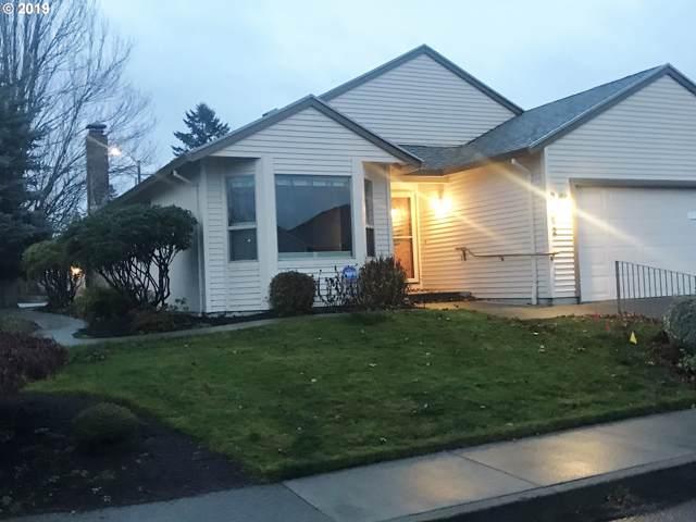 2242 NE 158TH Ave, Portland, OR 97230 (MLS #19055359) :: Homehelper Consultants