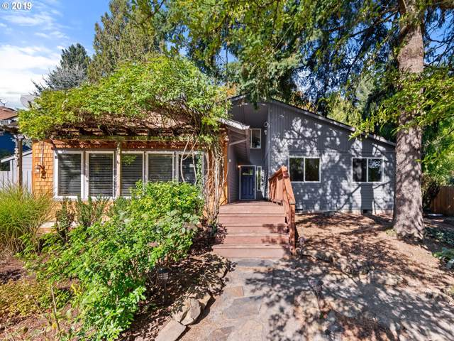 1389 SW Taylors Ferry Ct, Portland, OR 97219 (MLS #19055748) :: Matin Real Estate Group