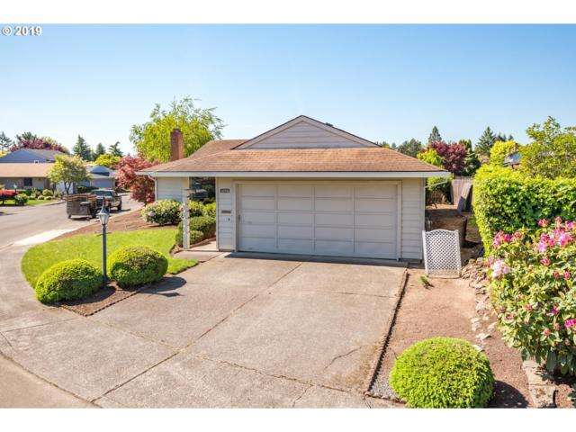15735 SW Oak Meadow Ln, Tigard, OR 97224 (MLS #19059257) :: Townsend Jarvis Group Real Estate