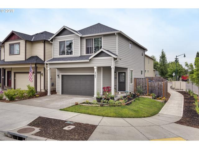 2747 25TH Pl, Forest Grove, OR 97116 (MLS #19067266) :: Next Home Realty Connection