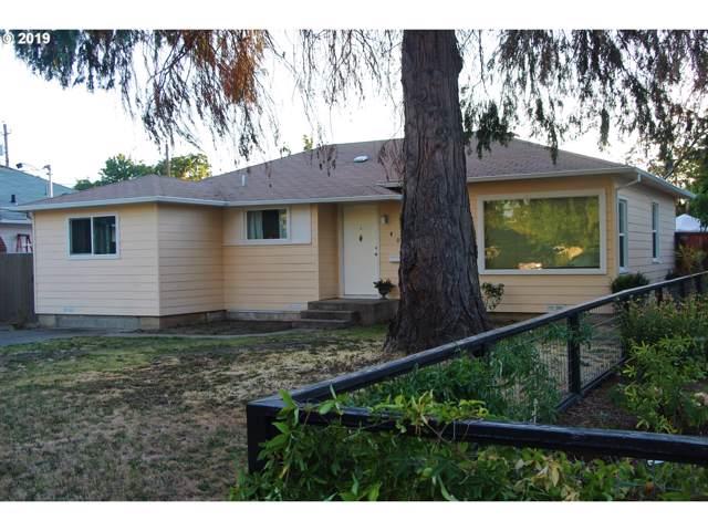 406 NE Dean Dr, Grants Pass, OR 97526 (MLS #19068944) :: McKillion Real Estate Group