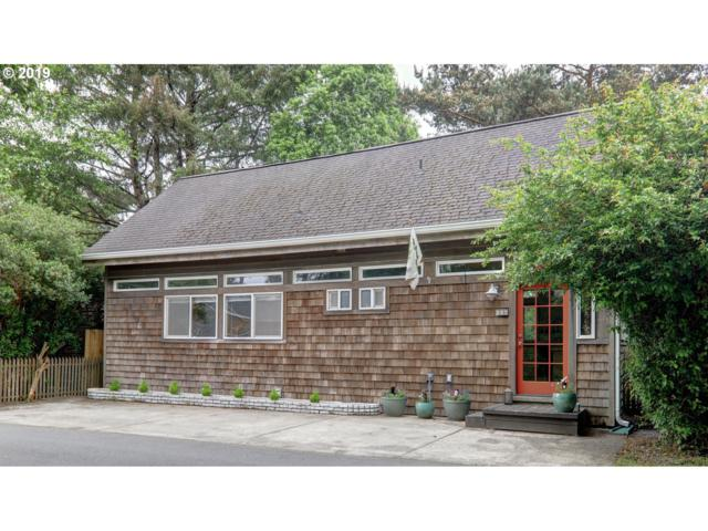 644 Spruce St, Cannon Beach, OR 97110 (MLS #19078074) :: Change Realty