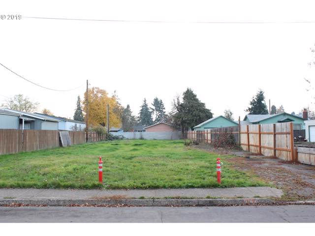 404 18th St, Springfield, OR 97477 (MLS #19079412) :: Song Real Estate