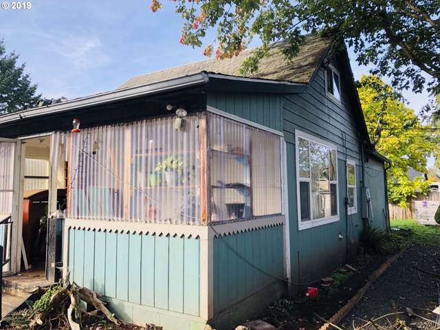 1907 20TH Ave, Sweet Home, OR 97386 (MLS #19081117) :: Townsend Jarvis Group Real Estate