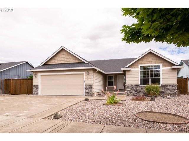 951 S 9TH St, Harrisburg, OR 97446 (MLS #19084191) :: Townsend Jarvis Group Real Estate