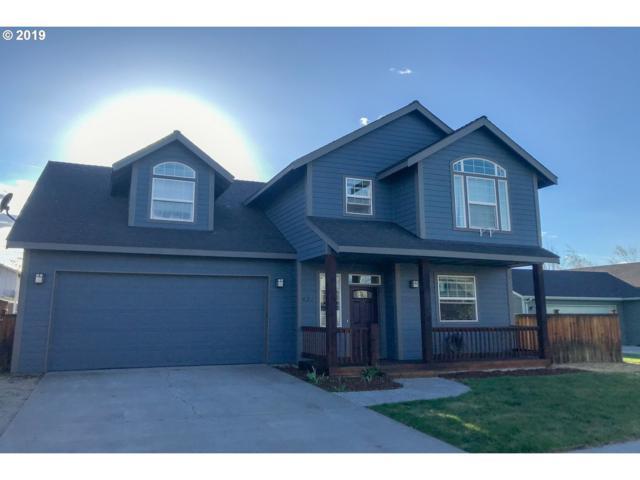 421 N Songbird St, Sisters, OR 97759 (MLS #19084468) :: Townsend Jarvis Group Real Estate