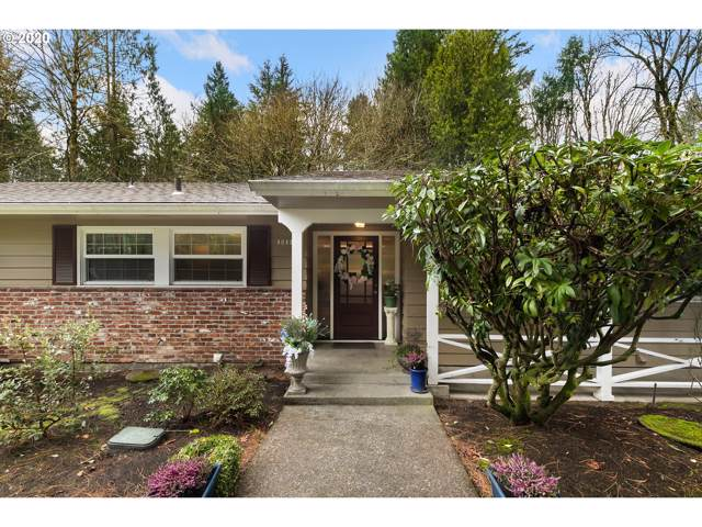 10121 SW Terwilliger Pl, Portland, OR 97219 (MLS #19091808) :: Next Home Realty Connection