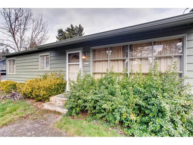 2025 11TH St, Oregon City, OR 97045 (MLS #19107311) :: Skoro International Real Estate Group LLC