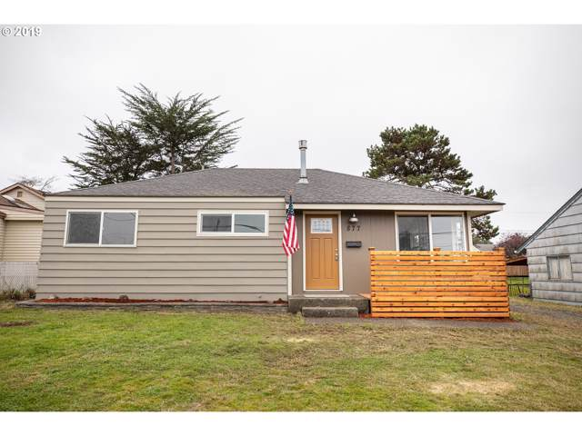 877 Pacific Ave, Coos Bay, OR 97420 (MLS #19109319) :: Gregory Home Team | Keller Williams Realty Mid-Willamette