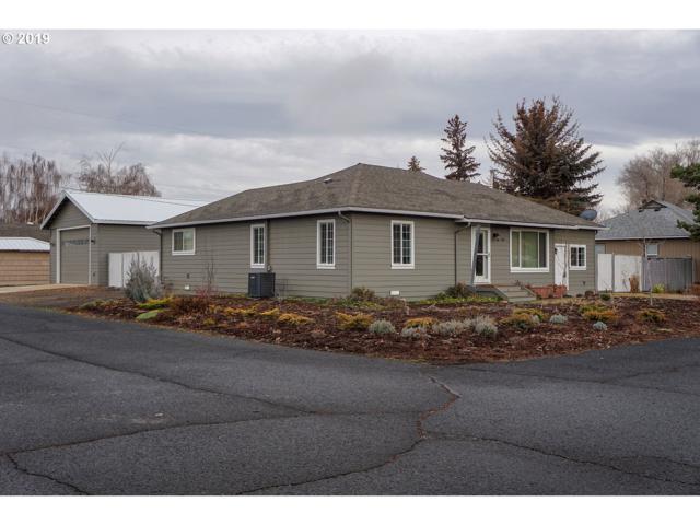 700 SE Elm St, Prineville, OR 97754 (MLS #19120640) :: Premiere Property Group LLC