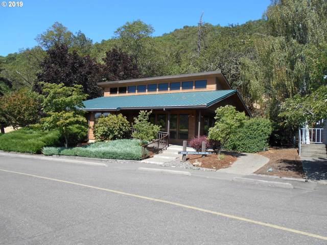 2510 NW Medical Park Dr, Roseburg, OR 97471 (MLS #19121693) :: Fox Real Estate Group