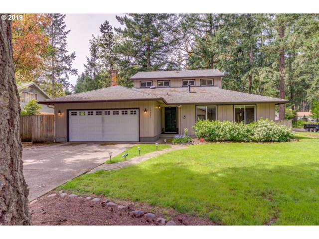 19061 Indian Springs Rd, Lake Oswego, OR 97035 (MLS #19125520) :: Townsend Jarvis Group Real Estate