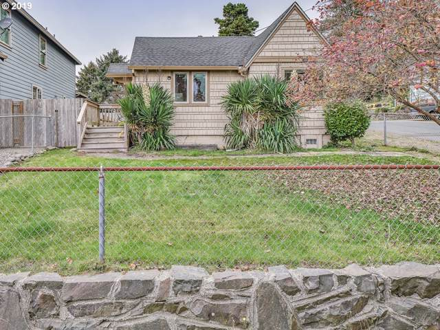 3721 NW Port Ave, Lincoln City, OR 97367 (MLS #19127142) :: Townsend Jarvis Group Real Estate