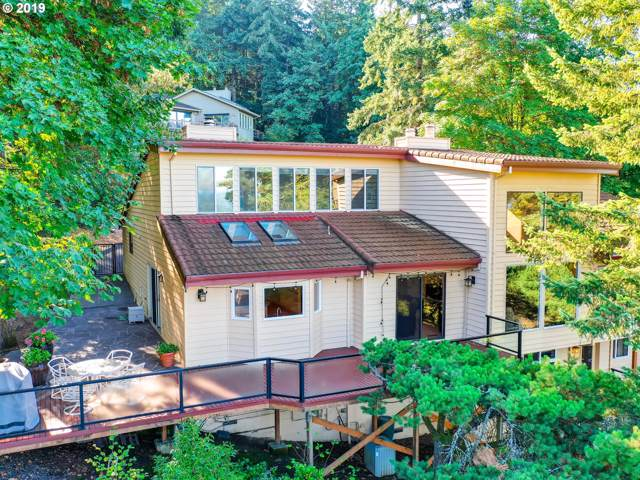 2395 Palisades Crest Dr, Lake Oswego, OR 97034 (MLS #19133993) :: Brantley Christianson Real Estate