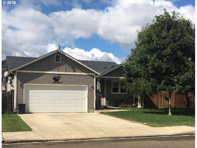 159 Rowan St, Roseburg, OR 97471 (MLS #19138110) :: Townsend Jarvis Group Real Estate