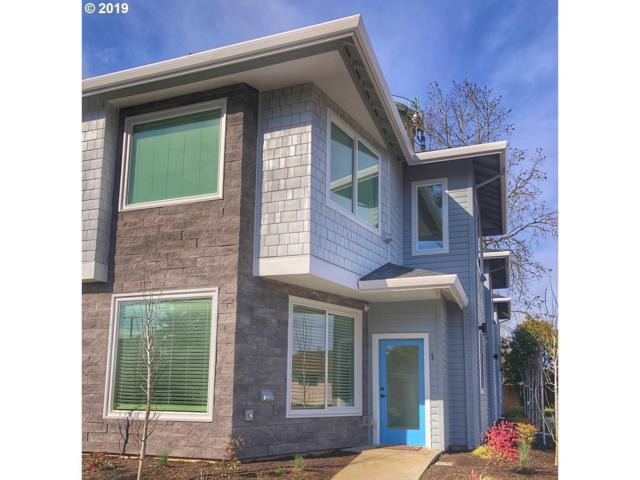7025 N Mohawk Ave, Portland, OR 97203 (MLS #19138519) :: Cano Real Estate