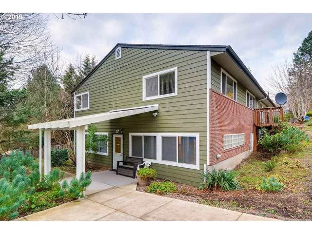 9015 SW 19TH Aly, Portland, OR 97219 (MLS #19144312) :: The Liu Group