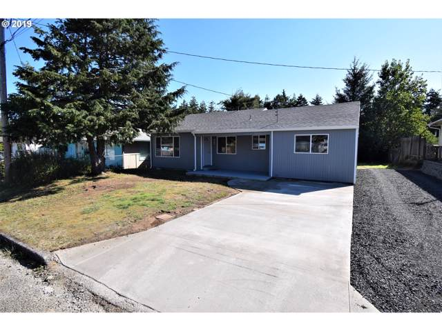 565 N Cammann, Coos Bay, OR 97420 (MLS #19145729) :: Cano Real Estate