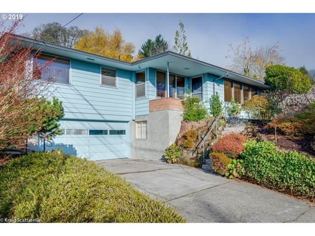 2963 SW Sunset Blvd, Portland, OR 97239 (MLS #19146317) :: Fox Real Estate Group