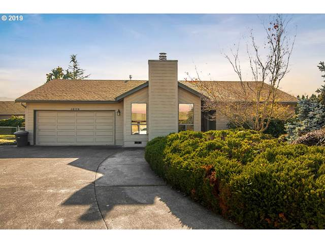 1675 NW Youngwood Ct, Roseburg, OR 97471 (MLS #19148095) :: McKillion Real Estate Group