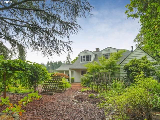 16133 SE River Rd, Milwaukie, OR 97267 (MLS #19156674) :: Fox Real Estate Group