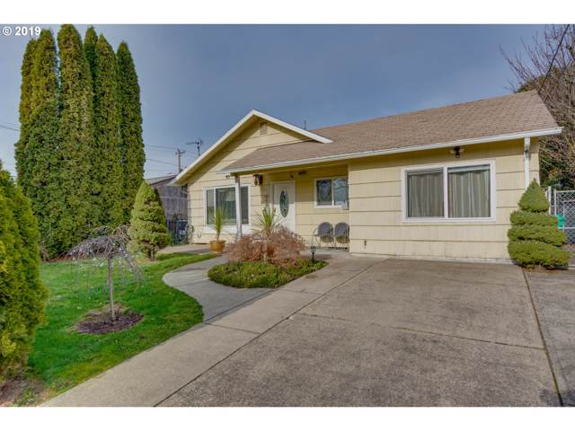 8225 SE Morrison St, Portland, OR 97216 (MLS #19158252) :: Townsend Jarvis Group Real Estate