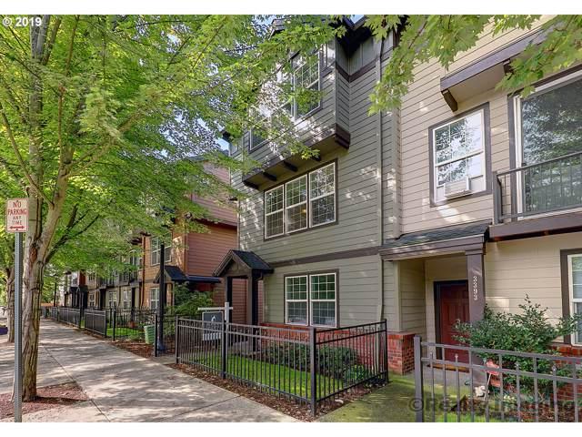 3407 SE Brookwood Ave, Hillsboro, OR 97123 (MLS #19161316) :: The Liu Group