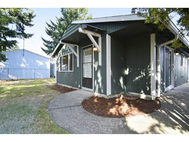 13055 SE Gladstone Ct, Portland, OR 97236 (MLS #19162227) :: Next Home Realty Connection