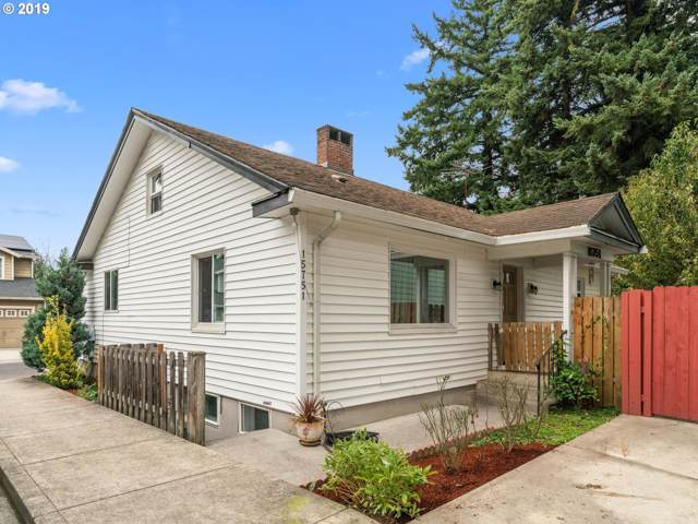 15751 SE Powell Blvd, Portland, OR 97236 (MLS #19165365) :: Townsend Jarvis Group Real Estate
