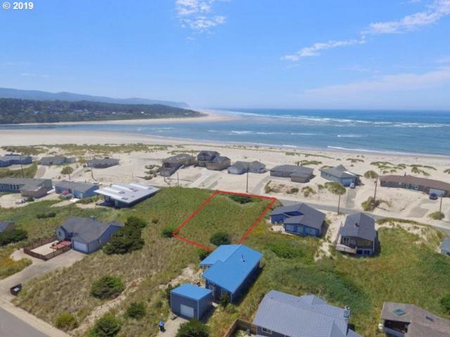 33 NW Oceania Dr, Waldport, OR 97394 (MLS #19165620) :: Gustavo Group
